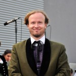 Chorleiter Wolfgang W Mayer bei Musik vom Fass im Brauhof Freistadt
