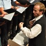 """Wolfgang W Mayer beim Konzert """"Veronika der Flieder blüht"""" 2012 im Salzhof Freistadt"""