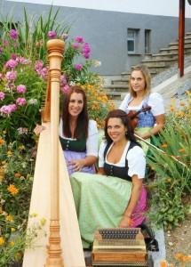 """Schwarz Dirndln am 8. Oktober 2016 mit der Chorgemeinschaft Freistadt bei """"Herzklopfen""""- Lieder, Weisen, Weisheiten"""
